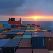 image.adapt.960.high.container_ship_01